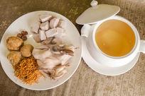 猴头菇虫草花炖水鸭汤