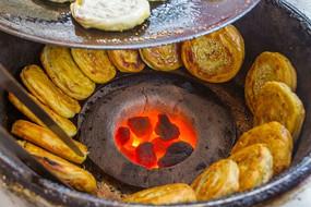 烤熟的锅魁