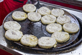 烤中的锅魁图