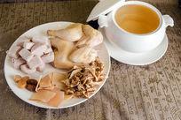 松茸炖鸡汤