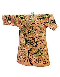 清代蝴蝶纹刺绣服饰