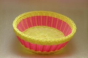 玫红黄色相间编织水果篮