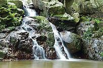 溪流瀑布风光