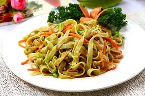 虾头油鸡丝炒菠菜面