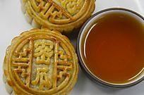 近拍中国传统美食中秋月饼特写图片
