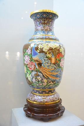掐丝珐琅孔雀图大花瓶红铜瓶