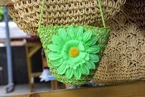 手工编织藤制花朵挎包
