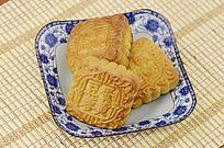 近拍传统美食中秋月饼特写