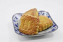 近拍传统美食中秋月饼特写图
