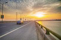 金色的松陵大桥
