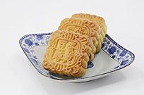 一盘传统美食中秋月饼图