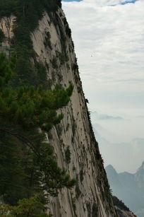 险峻的华山峭壁