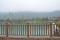 深圳长隆海洋王国清晨朦胧湖边美景