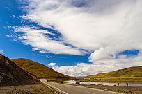 高原蓝天和白云