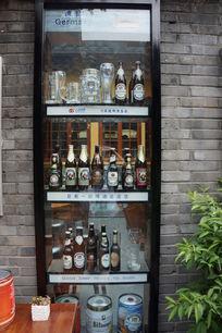 酒吧橱窗展示