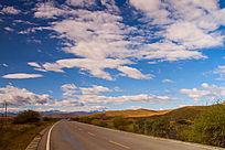 美丽高原蓝天白云道路1