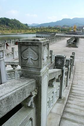 密印禅寺的石头雕刻护栏