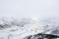 高原雪山雪景