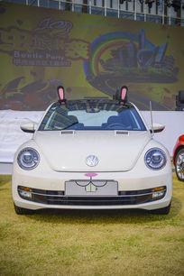 小兔子装饰甲壳虫汽车