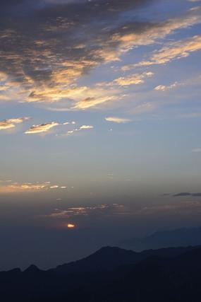 华山东峰山顶日出