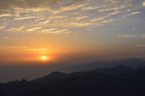 华山山顶日出