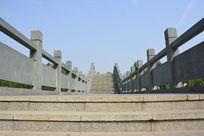 西安汉城湖公园的石拱桥面
