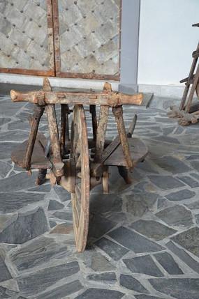 古代的简易木板车