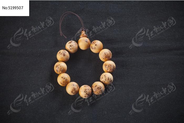 崖柏手串珠子图片