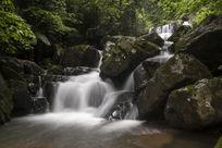 石头与溪流
