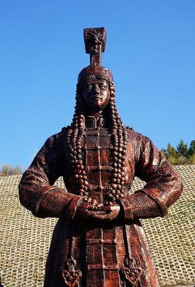 蒙古族风格雕塑《盛装蒙古人》