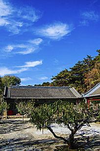 千山太和宫院内的斋堂