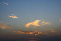 蓝色天金色云
