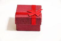 红色首饰盒