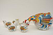 母鸡带小鸡陶瓷工艺品