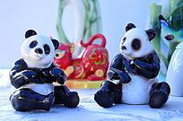 一对国宝熊猫陶瓷工艺品