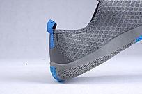 蓝色网布鞋后部分细节