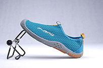 土绿色网布鞋单鞋靠立侧面