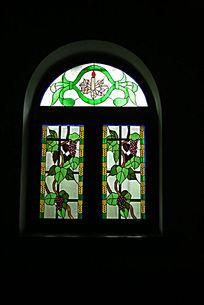 亚斯立堂基督教会崇文门堂的彩色窗户