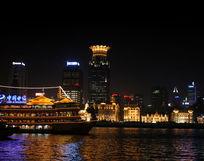 上海外滩黄浦江的夜景