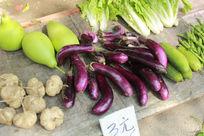 地摊上的蔬菜