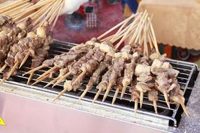 烧烤摊烤羊肉串烤牛肉串