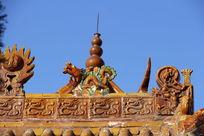 琉璃瓦龙纹屋脊
