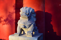 寺院门口的石狮子