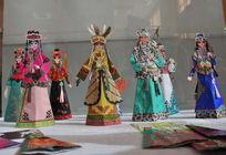 非物质文化遗产哈尼卡玩具纸偶