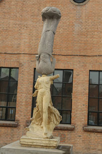 798无头双人体对立雕像