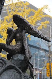 雕塑天使的翅膀