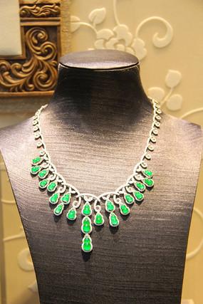 绿翡翠吊项链