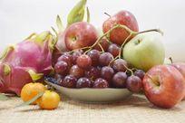 近拍静物创意一堆水果特写图