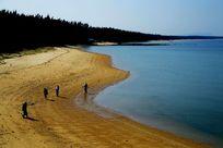 海南风光蓝色的海洋和沙滩图片