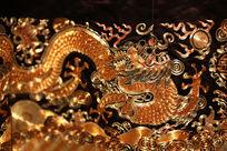 清代晚期石青缎金丝龙纹图案